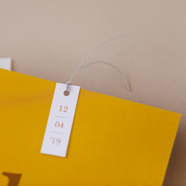 Geboortekaartje Kaart met initiaal - oker